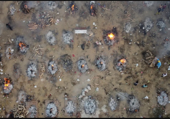 Nonstop mass cremations going on in India amid record-breaking COVID-19 surge (Photos/Video)